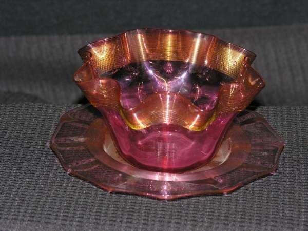 CRANBERRY THREADED BOWL WITH THREADED UNDERPLATE