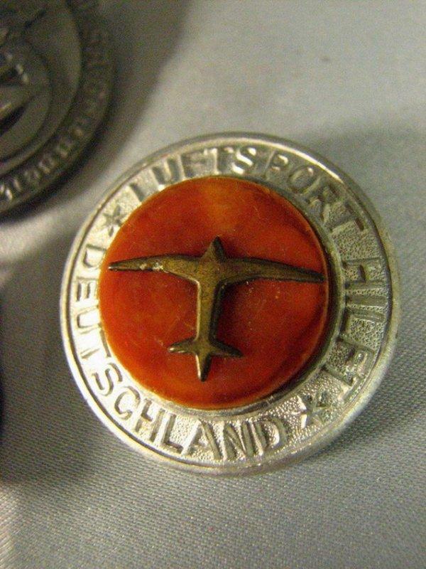 1013: WWII GERMAN PINS TINNIES - 4