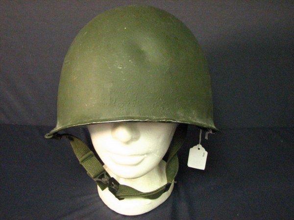 1033: U.S. VIET NAM ERA COMBAT HELMET