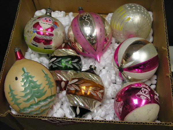 1156: 8 LARGE GLASS CHRISTMAS ORNAMENTS