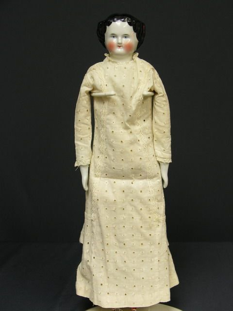 818: 17 inch FLAT TOP CHINA DOLL