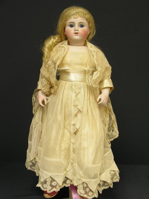 925: 16 1/2 inch BISQUE DOLL 911 X F. NR. 5