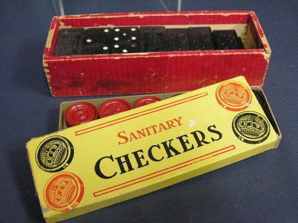 318: SET OF ANTIQUE CHECKERS AND DOMINOES - 4