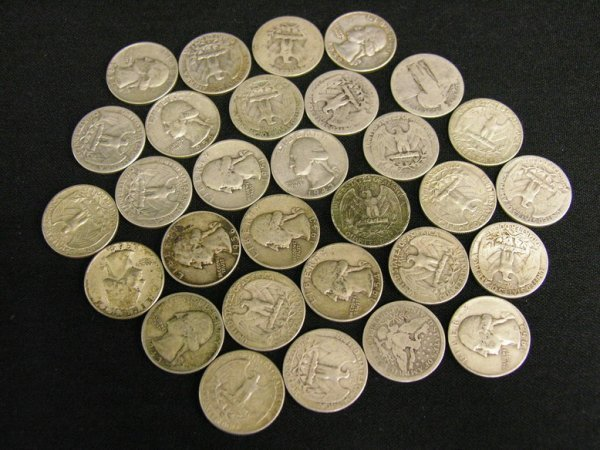 1001: 30 U.S. SILVER QUARTERS ESTATE LOT 1900 THRU 1964
