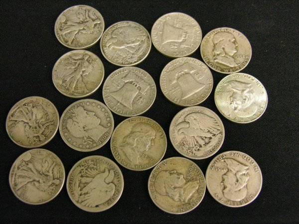 1002: 16 U.S. SILVER HALF DOLLAR ESTATE LOT