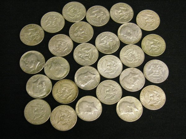 1006: ESTATE LOT U.S. KENNEDY SILVER HALF DOLLARS