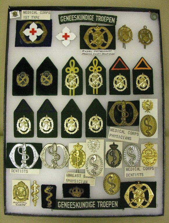 41: DUTCH ARMY MEDICAL CORPS INSIGNIAS