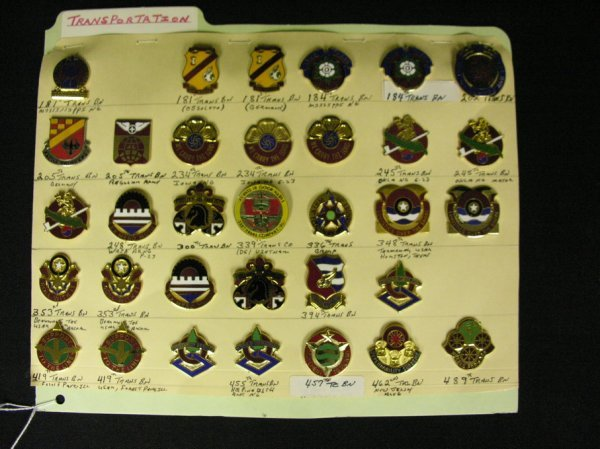 361: U.S MILITARY INSIGNIA CRESTS  PINS