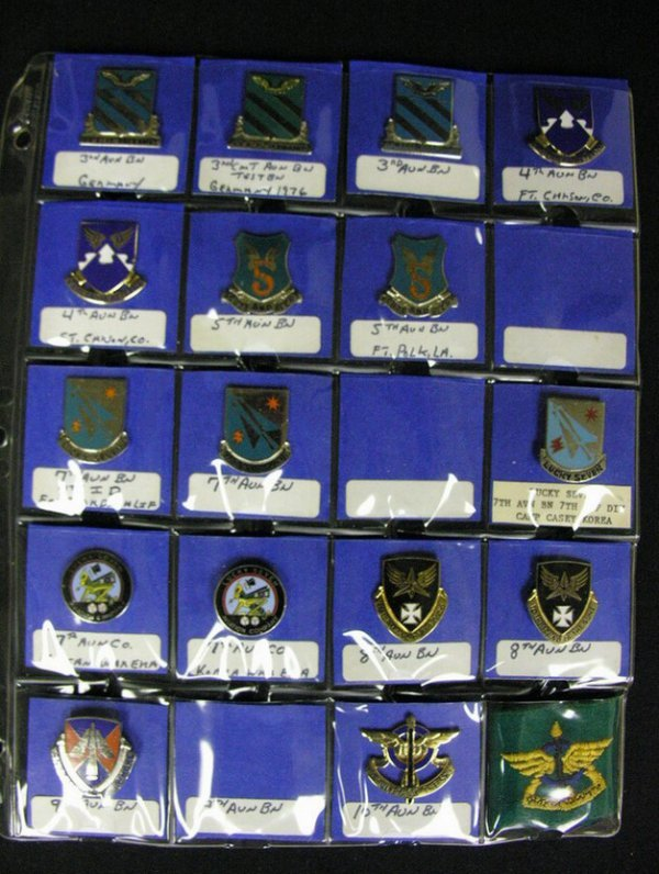 370: U.S MILITARY INSIGNIA CRESTS PINS