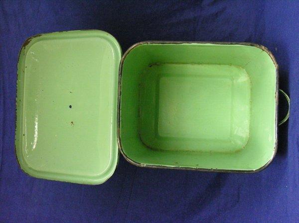 189: VINTAGE GREEN PORCELAIN BREAD BOX - 9