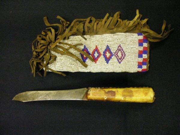 513: NATIVE AMERICAN BEADED KNIFE SHEATH