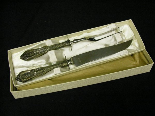 518: WALLACE ROSE POINT STERLING CARVING SET