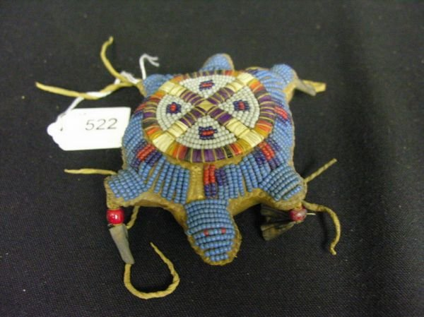 522: NATIVE AMERICAN BEAD AND QUILL WORK TURTLE AMULET