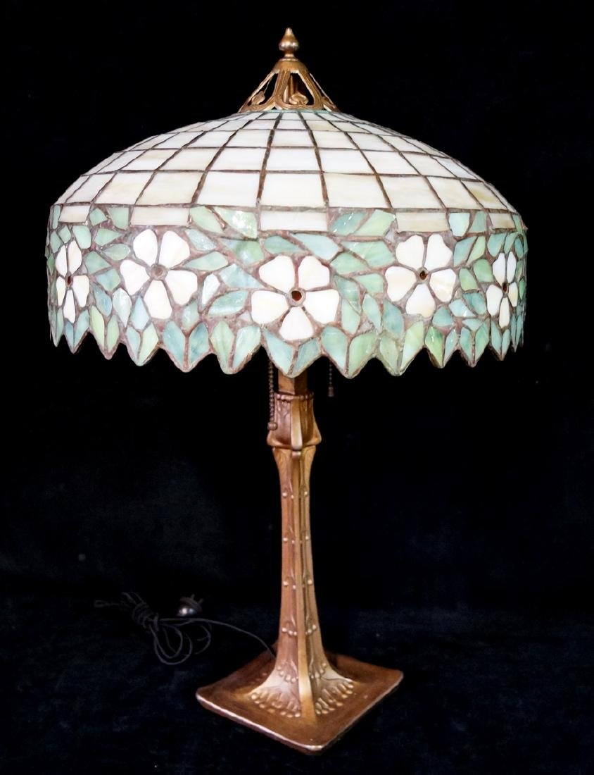 HANDEL LAMP (?) W/ TEE PEE SHADE BASE UNSIGNED