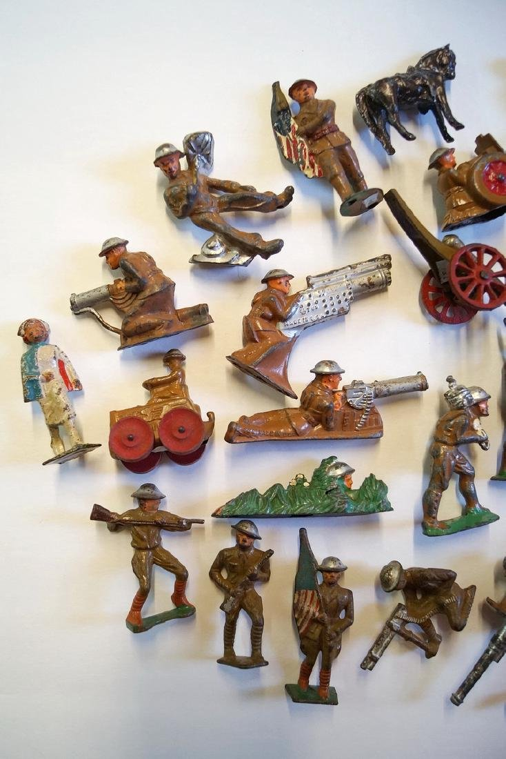 LOT OF LEAD TOY SOLDIERS - 2