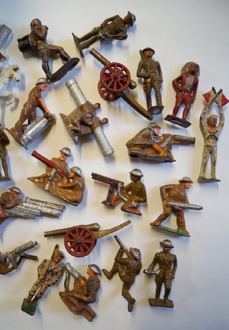 LOT OF LEAD TOY SOLDIERS - 4