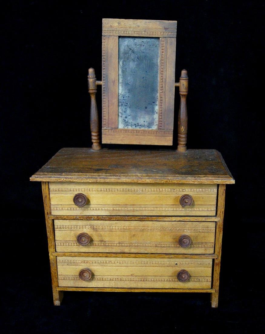 MINIATURE CHEST OF DRAWERS W/ VANITY