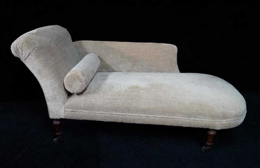 NAPOLEON III STYLE CHAISE W CLARENCE HOUSE LINEN