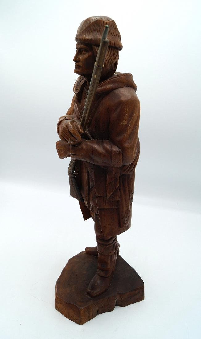 CARVED FIGURE: FRONTIERSMAN - 2