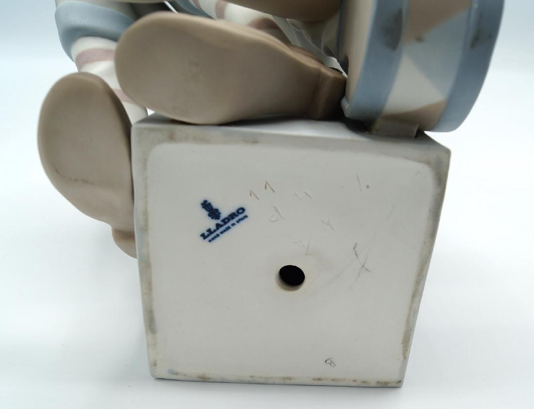 LLADRO #4605 MAGIC CLOWN 1969 - 6