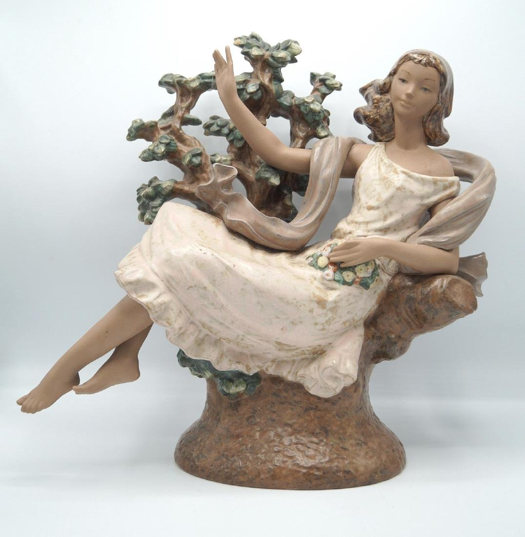 LLADRO WOMAN IN A TREE