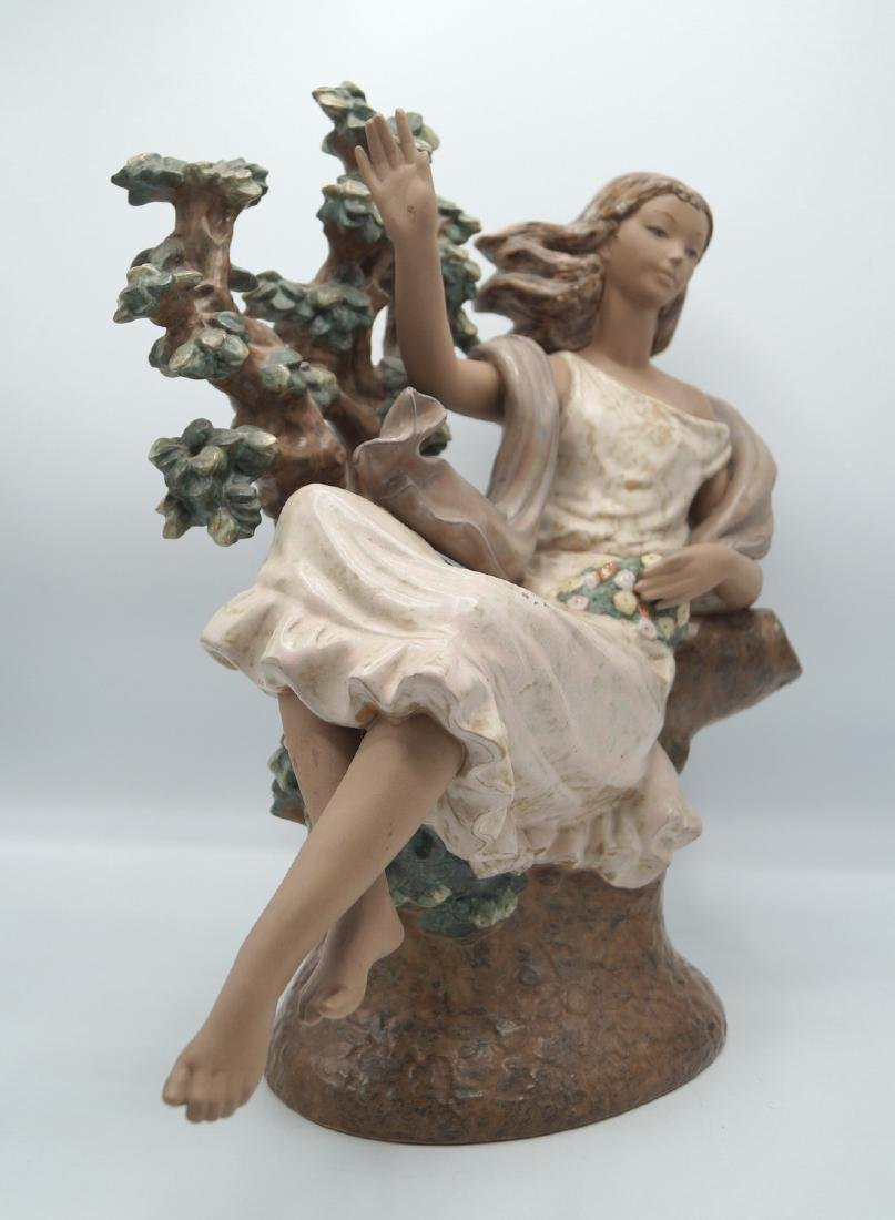 LLADRO WOMAN IN A TREE - 2