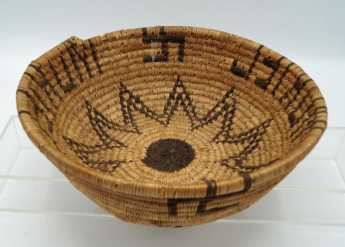 2 NATIVE AMERICAN BASKETS - 2