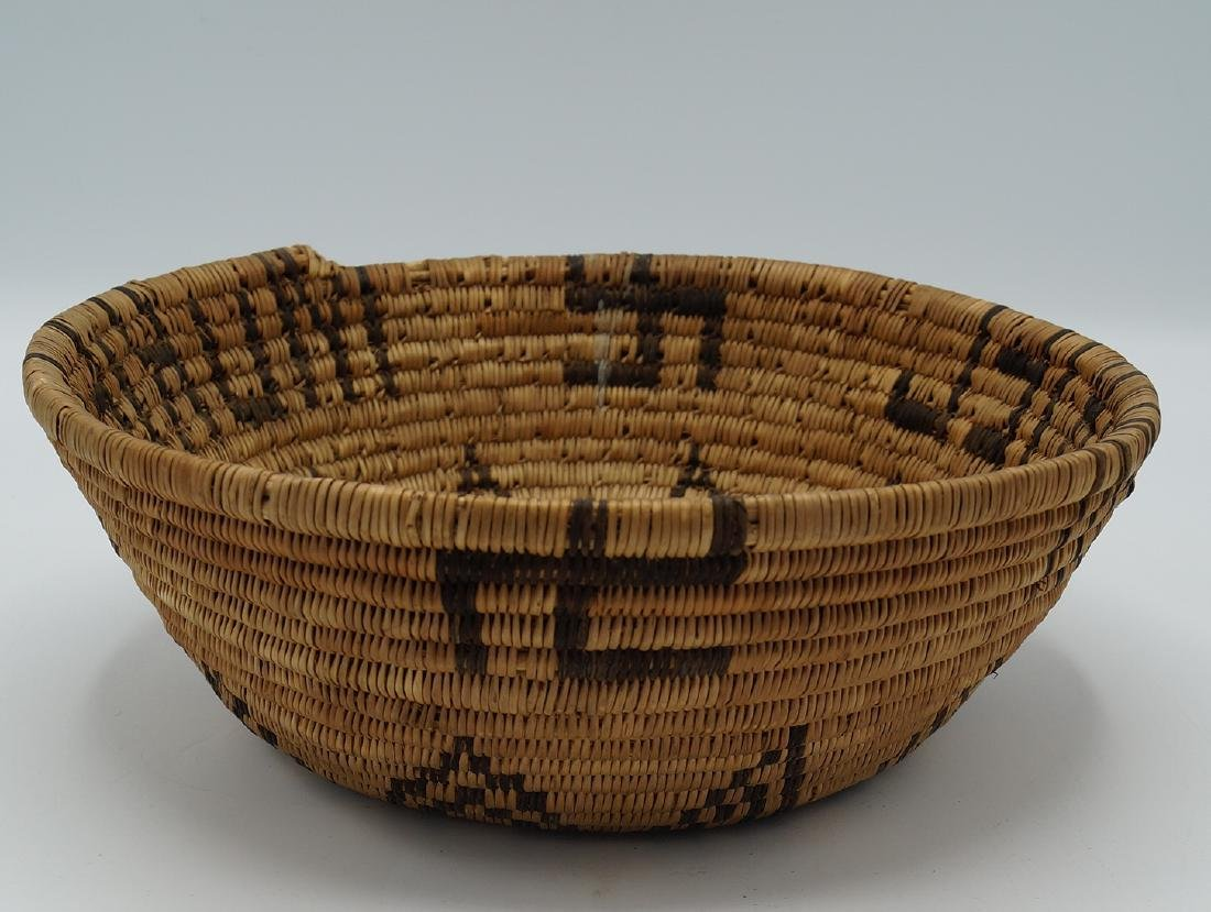 2 NATIVE AMERICAN BASKETS - 6
