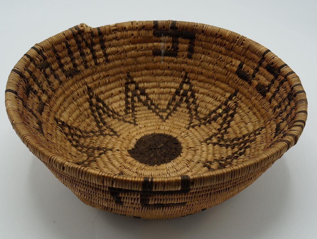 2 NATIVE AMERICAN BASKETS - 7