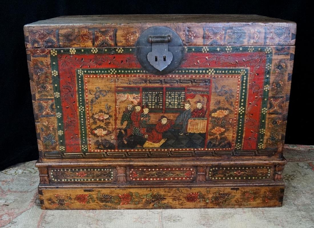 ORIENTAL PAINT DECORATED TRUNK