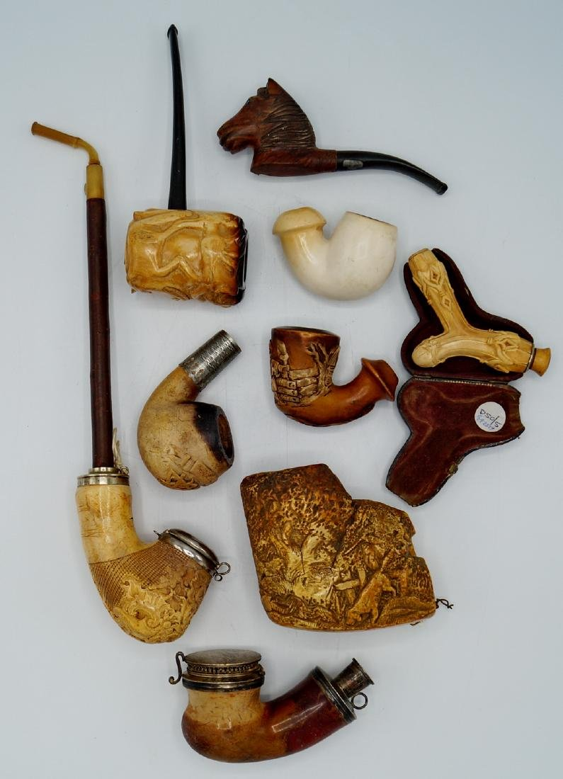 ASSORTED LOT OF MEERSCHAUM PIPES