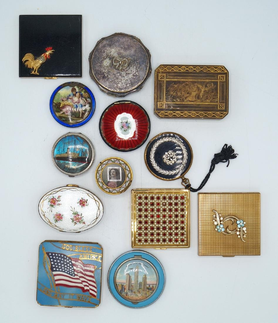 TRAY LOT 13 VINTAGE COMPACTS