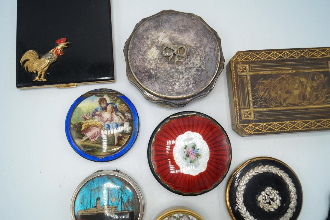 TRAY LOT 13 VINTAGE COMPACTS - 3