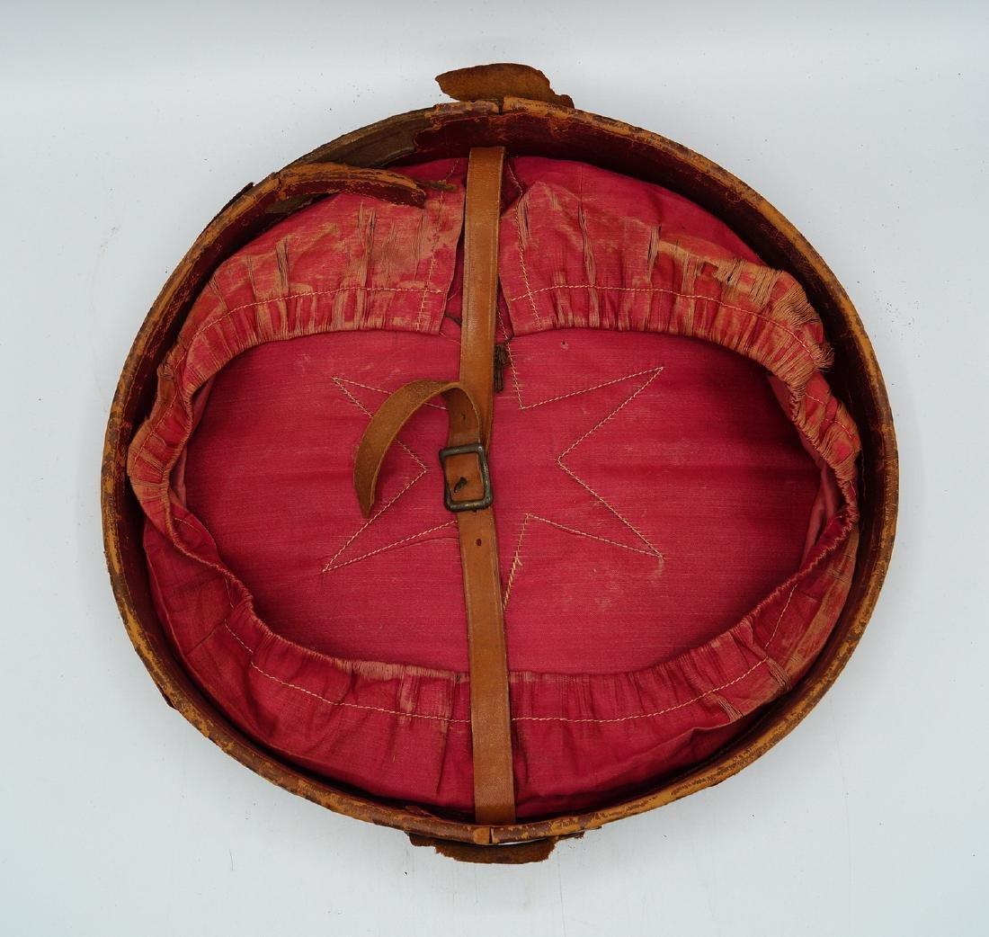 VINTAGE LEATHER HAT BOX - 10