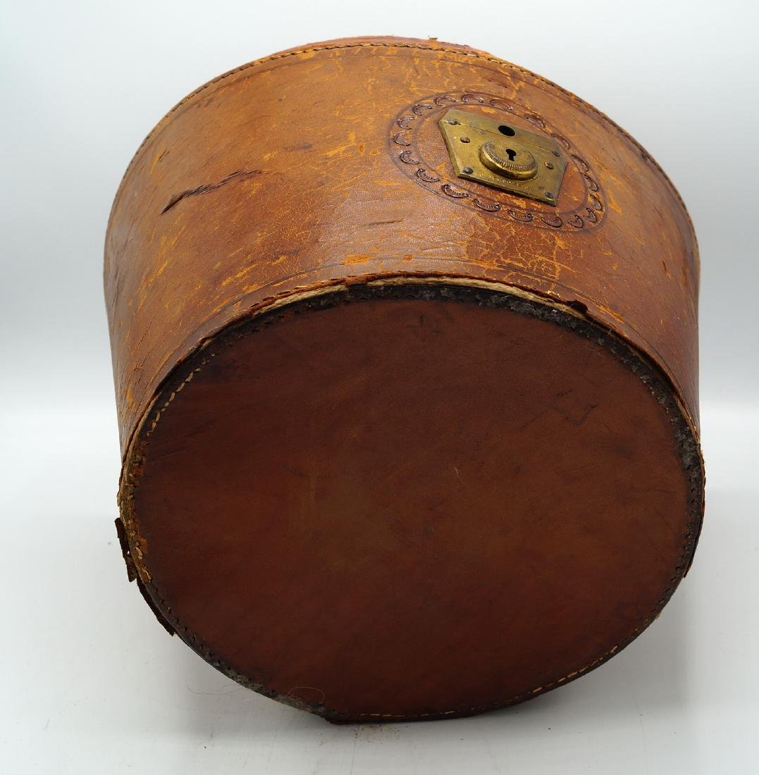 VINTAGE LEATHER HAT BOX - 9