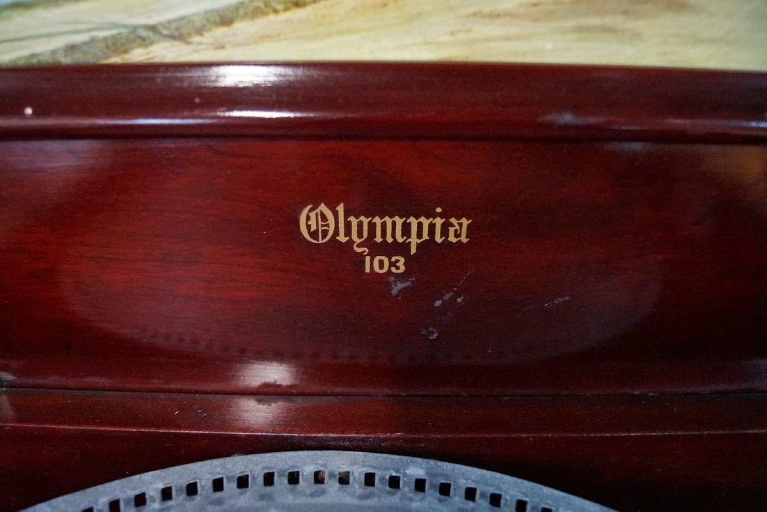 OLYMPIA CARVED CASE DOUBLE COMB DISK PLAYER - 3