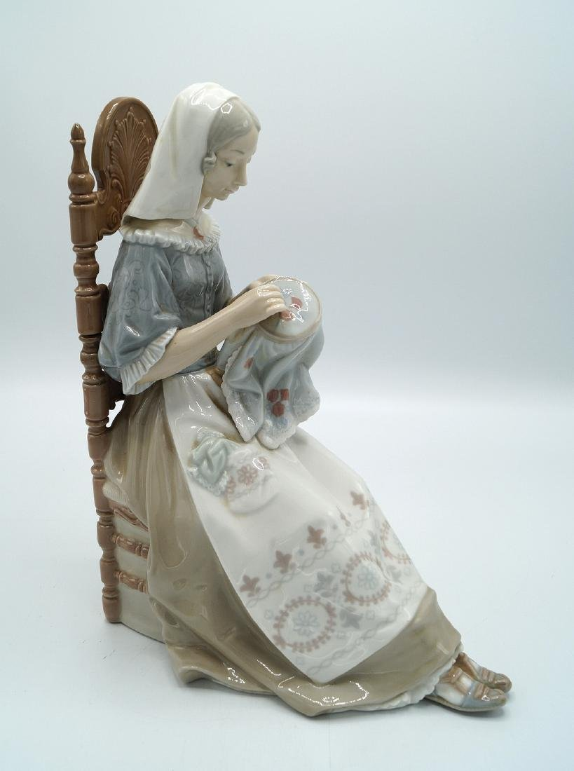 "LLADRO ""WOMAN AT NEEDLEPOINT"" - 2"
