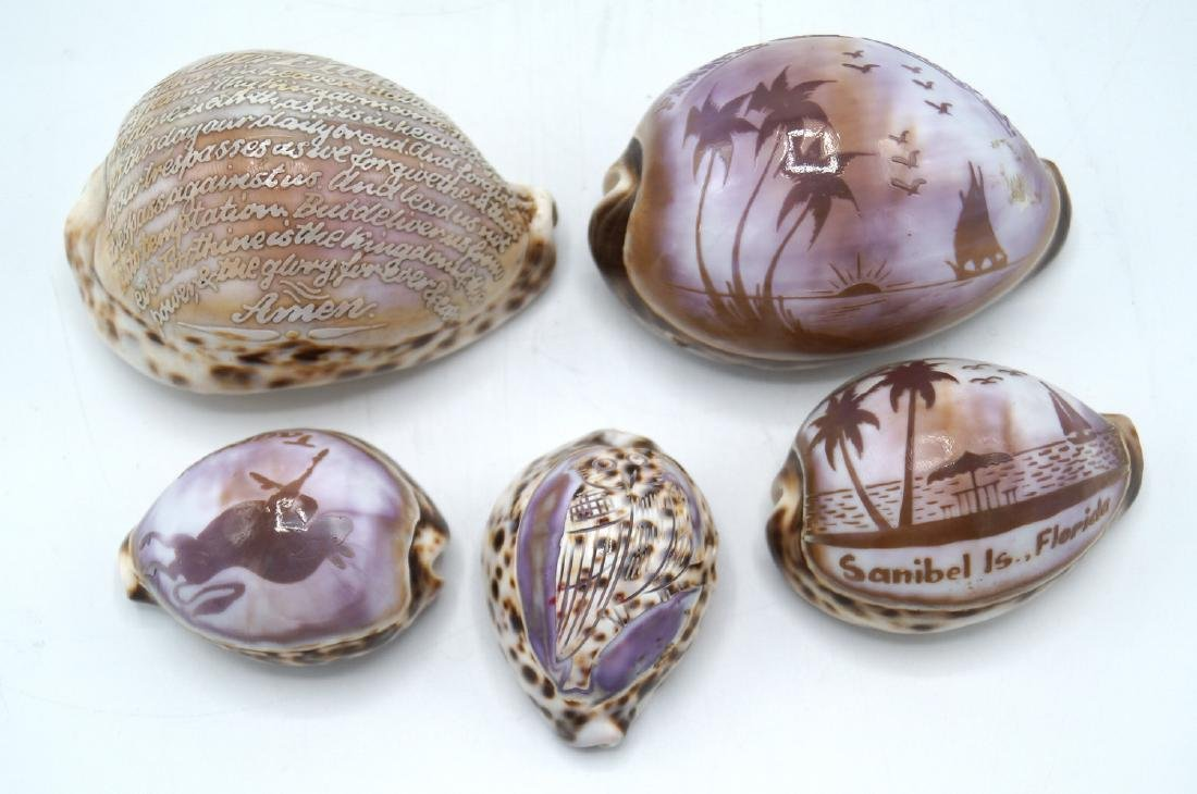 GROUP 5 CARVED COWRIE SHELL SOUVENIRS