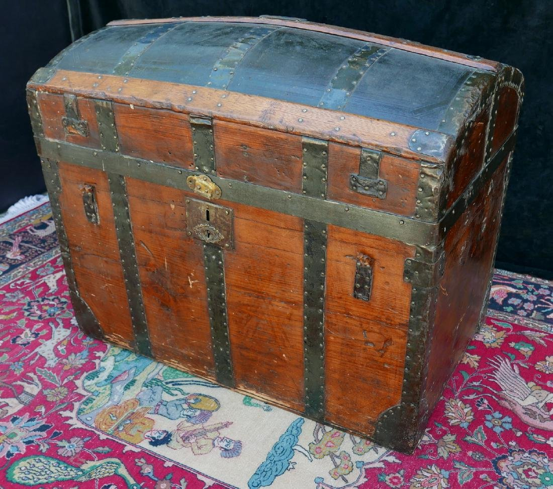 VINTAGE JOHN UNRUH DOME TOP TRUNK - 2