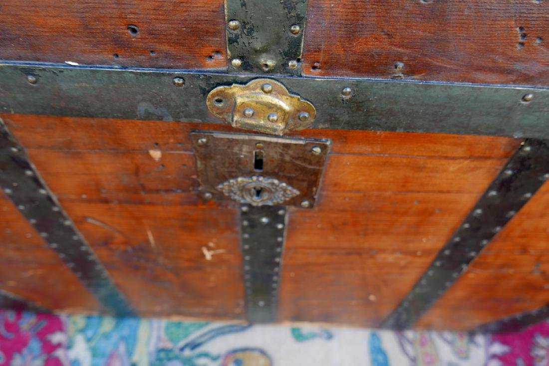 VINTAGE JOHN UNRUH DOME TOP TRUNK - 7