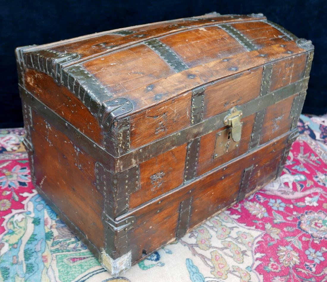 VINTAGE HAWTHORN & TURNER DOME TOP TRUNK - 3