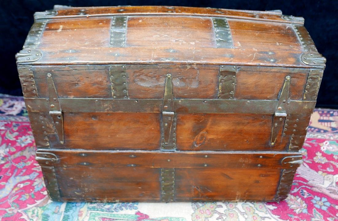 VINTAGE HAWTHORN & TURNER DOME TOP TRUNK - 4