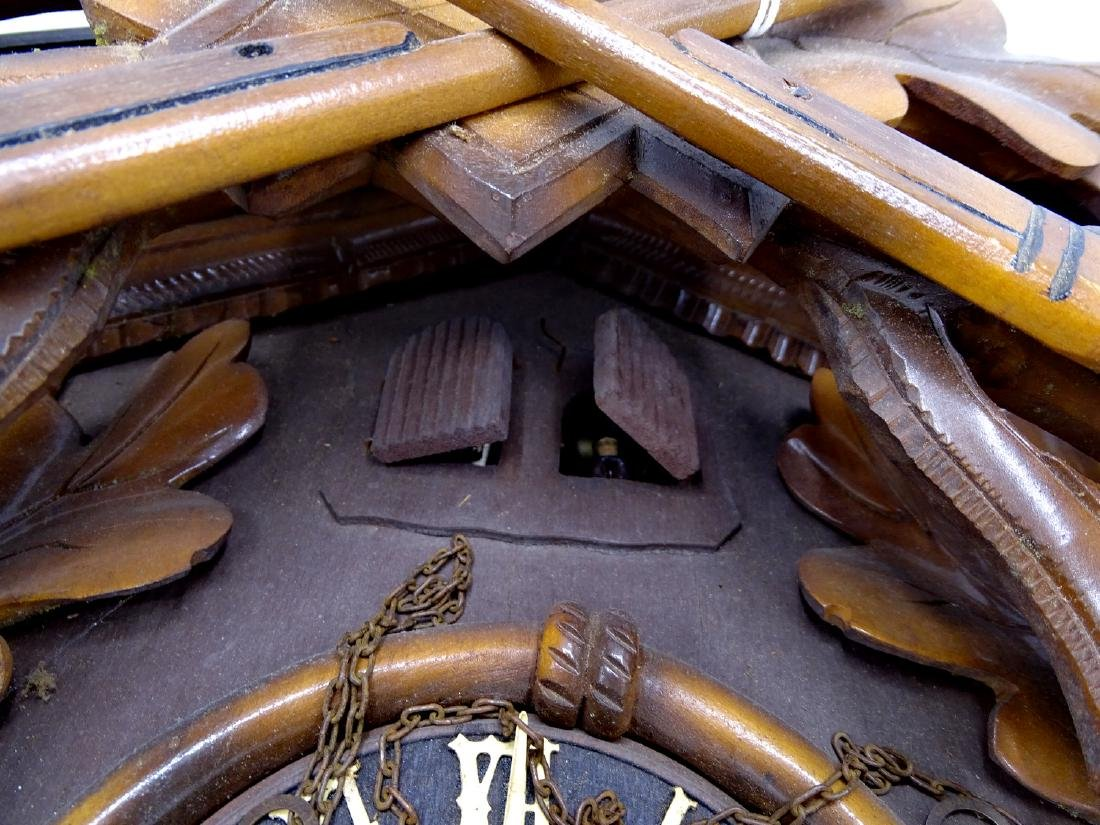 CUCKOO CLOCK WITH GAME MOTIF - 5