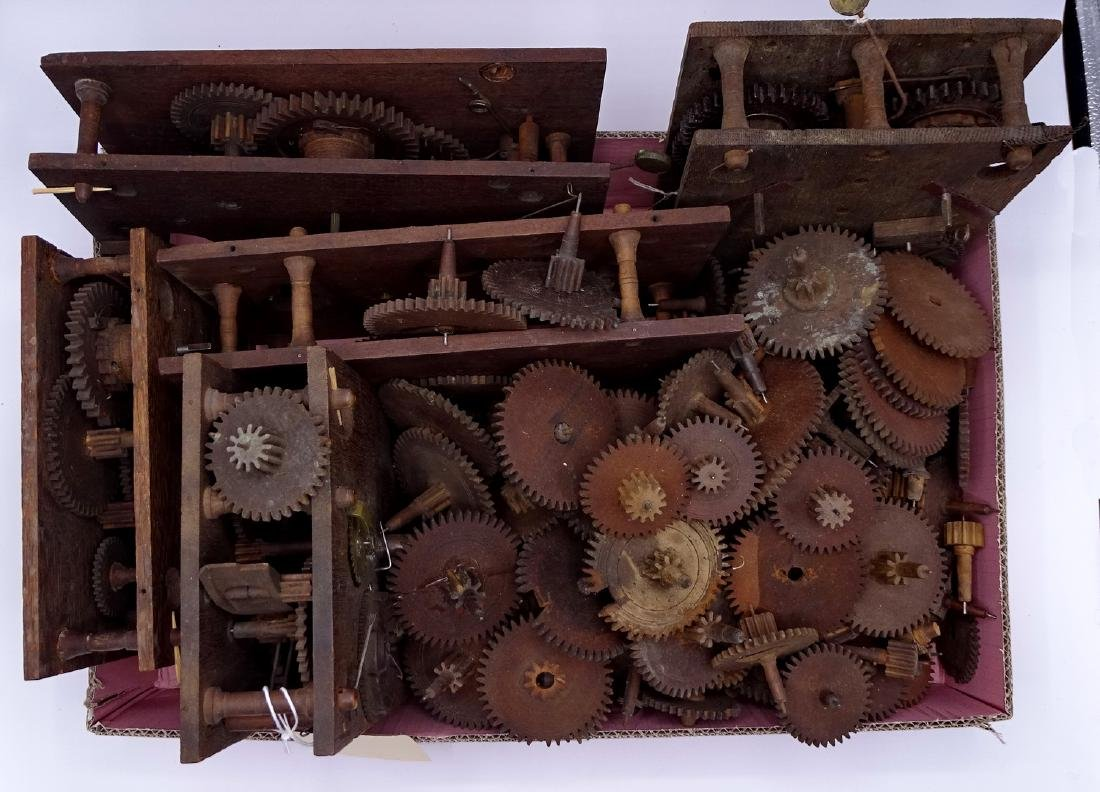 BOX WOODEN CLOCK MOVEMENTS & GEARS