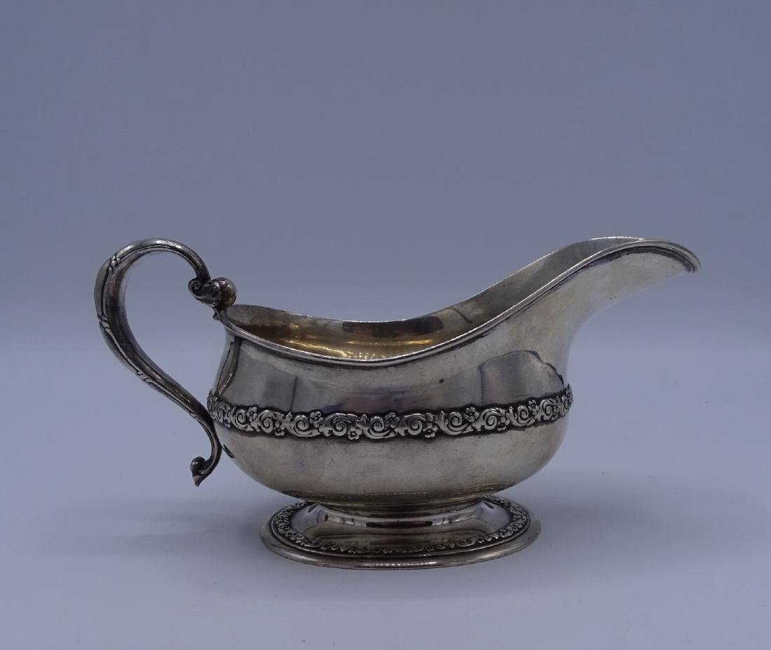 TIFFANY & CO. STERLING SILVER GRAVY BOAT WITH HANDLE