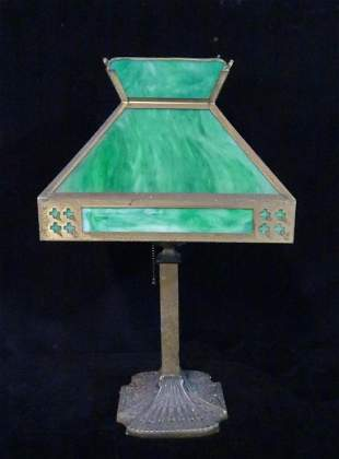GREEN LEADED GLASS LAMP WITH SQUARE SHADE