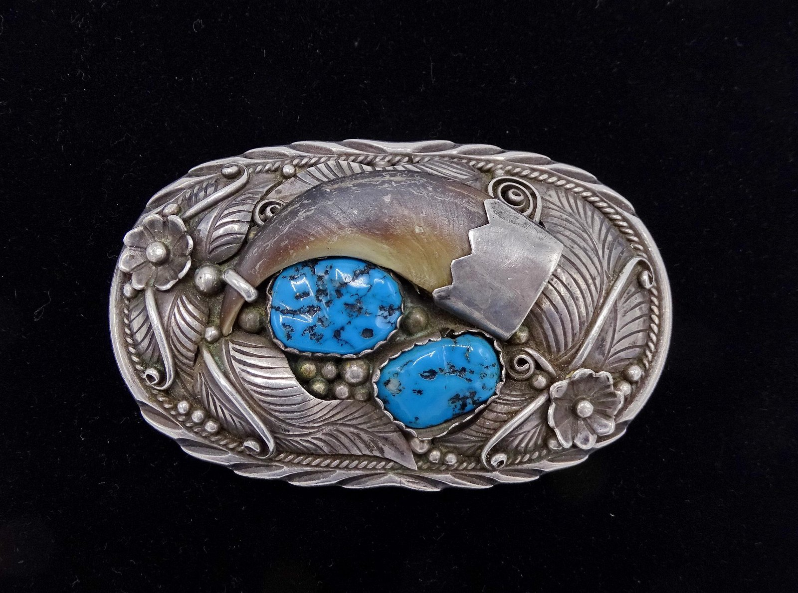 LEE T SGN. STERLING & TURQUOISE BEAR CLAW BELT BUCKLE