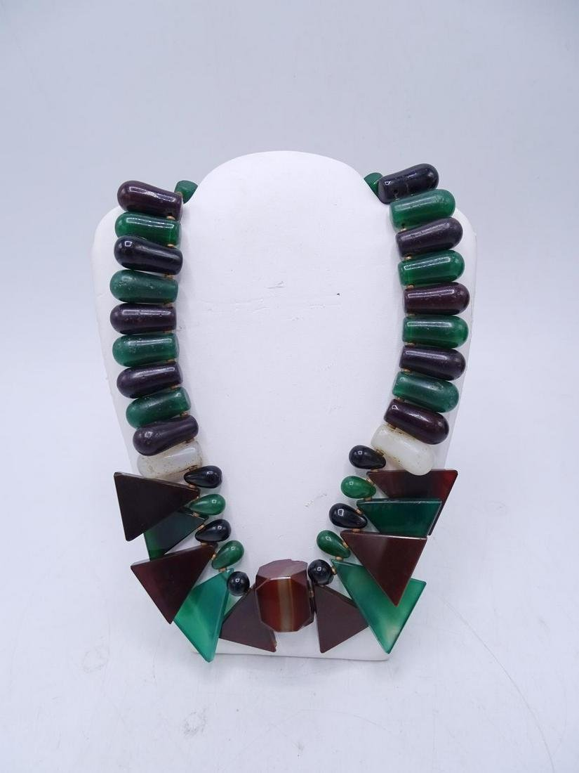 ART DECO REVIVAL HARDSTONE & AGATE NECKLACE WITH GOLD