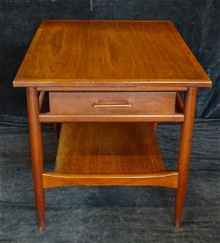 """HEKMAN ONE DRAWER SIDE TABLE 21""""H 21""""W 28""""D"""