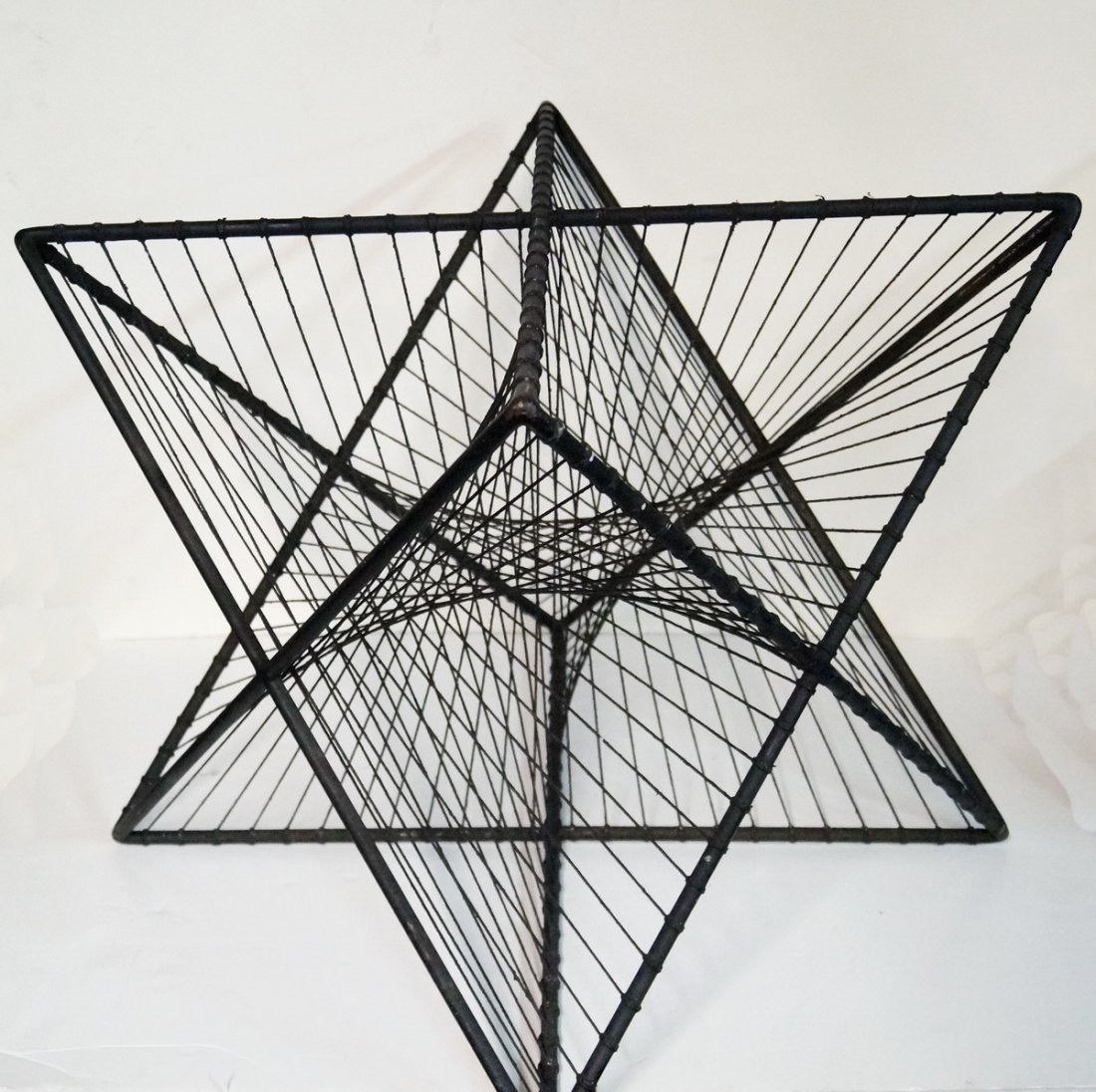 MID CENTURY METAL STAR TABLE BASE IRON AND STRING - 2